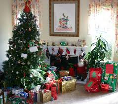tree, presents, stockings